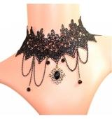 Elegante collar con colgante negro
